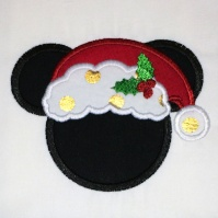 mickey_christmas_burp_cloth_close_up