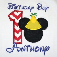 mickey_mouse_hat_birthday_boy_close_up
