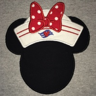 minnie_sailor_hat_shirt_close_up