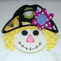 scarecrow_girl_kitchen_towel_close_up