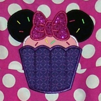 minnie_mouse_head_cupcake_close_up